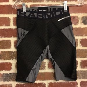 Under Armour Compression Shorts size small